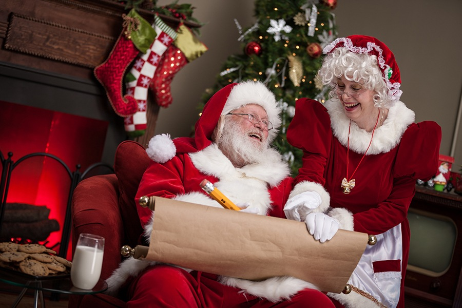 Mrs. Claus Helps Hearing Impaired