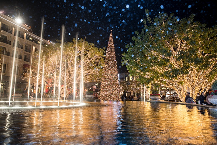 10 Reasons Not to Miss Christmas at The Americana at Brand